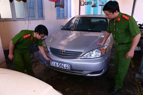 Nhieu xe sang mang bien so gia bi tam giu o Binh Duong - Anh 1