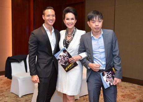 Thai Hoa: Dong phim nham cat-xe cao nhung khan gia quay lung - Anh 1