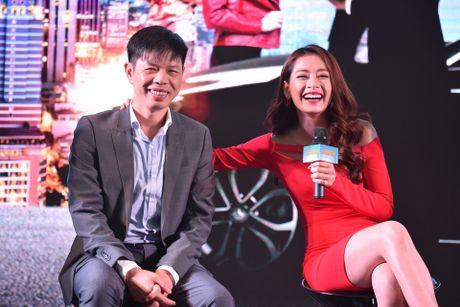 Thai Hoa: Dong phim nham cat-xe cao nhung khan gia quay lung - Anh 3