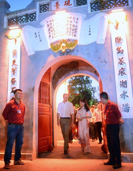 Hoang tu Anh tan bo pho co Ha Noi - Anh 11