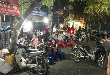 Ngay ban 1.000 xien nuong, chi xe day thu 150 trieu/thang - Anh 3