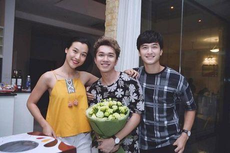 MC Thao Van: 'Cam giac duoc om no that het y' - Anh 4