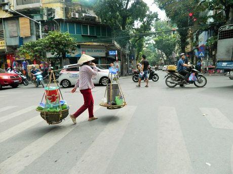 'Van hoa' bet trong am thuc duong pho Ha Noi - Anh 1