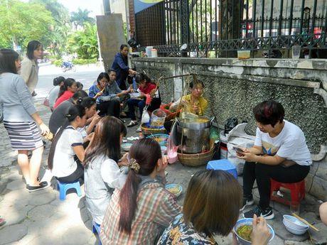 'Van hoa' bet trong am thuc duong pho Ha Noi - Anh 2
