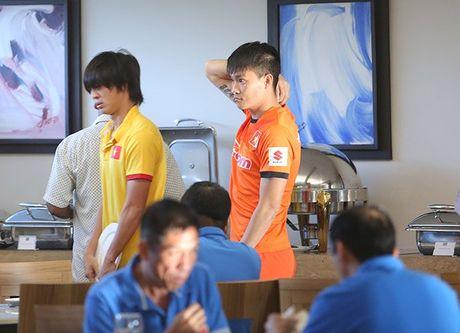 Tuan Anh nguy co khong the da tran gap Myanmar - Anh 1