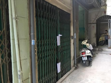 Vu thanh nien chet trong nha ban gai: Loi nguoi hang xom - Anh 2