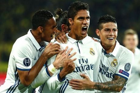 CAP NHAT sang 16/11: Anh hoa kich tinh Tay Ban Nha. Man United bi sao Real tu choi - Anh 1