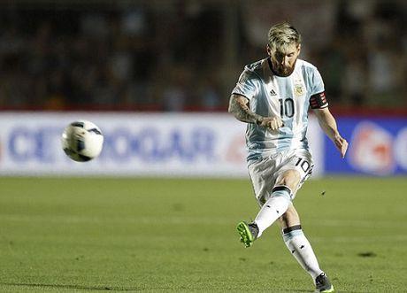 Argentina 3-0 Colombia: Sau tat ca, Messi ghi ban va Argentina da biet thang - Anh 1