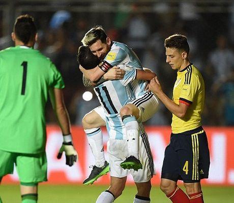 Argentina 3-0 Colombia: Sau tat ca, Messi ghi ban va Argentina da biet thang - Anh 3