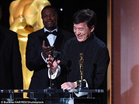 Sau nhieu lan gay xuong, Thanh Long da co duoc… tuong vang Oscar - Anh 13
