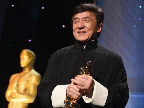 Sau nhieu lan gay xuong, Thanh Long da co duoc… tuong vang Oscar - Anh 1
