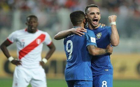 Thang Peru 2-0, Brazil khang dinh suc manh - Anh 1