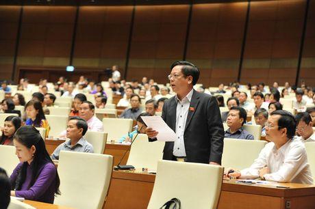 Hinh anh: Phien tra loi chat van cua Bo truong GD-DT Phung Xuan Nha - Anh 10