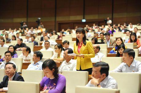Hinh anh: Phien tra loi chat van cua Bo truong GD-DT Phung Xuan Nha - Anh 9