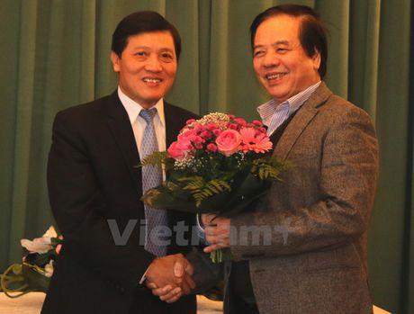Tap 4 Dai tu dien giao khoa Sec-Viet chinh thuc ra mat ban doc - Anh 2
