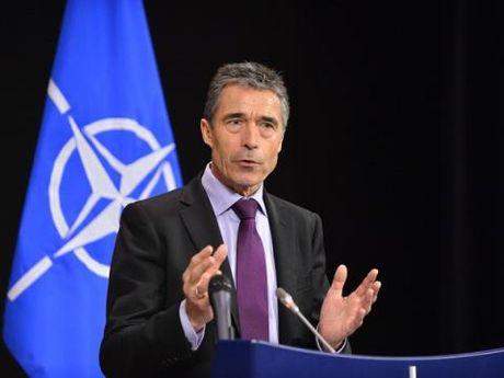 Than thiet voi ong Donald Trump, Nga khien NATO cuong cuong? - Anh 1