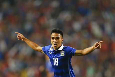 'Messi Thai' sang Nhat, choi bong tai J.League 1 - Anh 1
