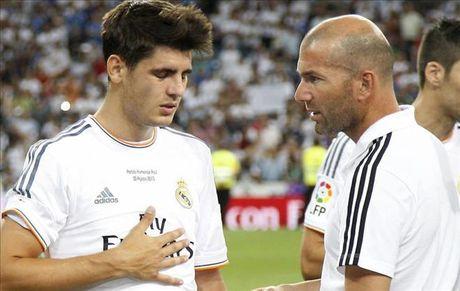 Zidane don them tin du truoc tran derby Madrid - Anh 1