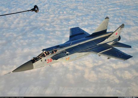 Tiem kich MiG-31 da toi Syria, 'radar bay' My-NATO coi chung - Anh 10