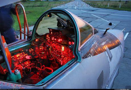 Tiem kich MiG-31 da toi Syria, 'radar bay' My-NATO coi chung - Anh 12