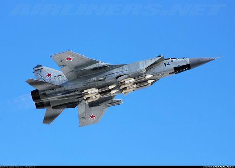 Tiem kich MiG-31 da toi Syria, 'radar bay' My-NATO coi chung - Anh 14
