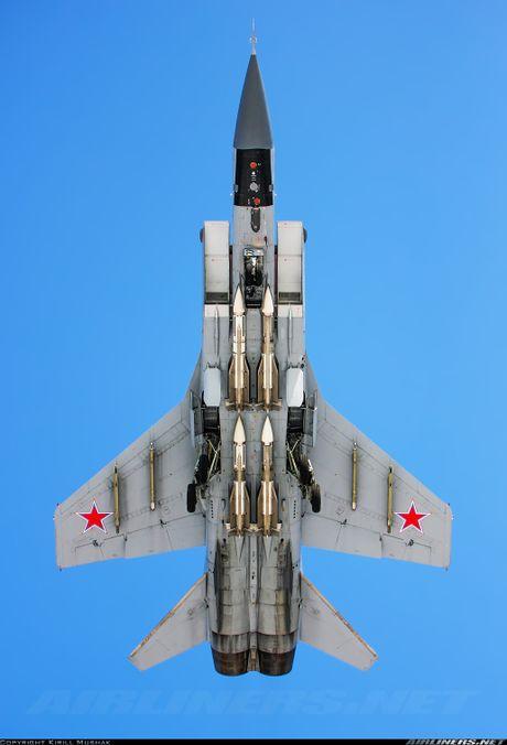 Tiem kich MiG-31 da toi Syria, 'radar bay' My-NATO coi chung - Anh 16