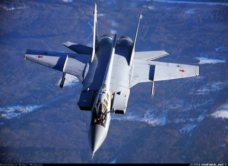 Tiem kich MiG-31 da toi Syria, 'radar bay' My-NATO coi chung - Anh 2