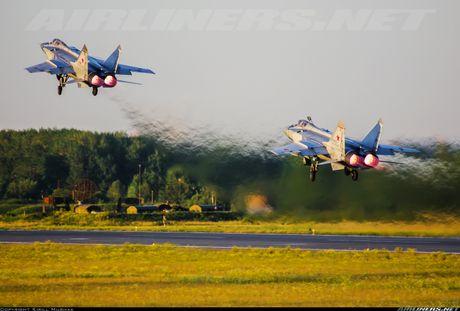 Tiem kich MiG-31 da toi Syria, 'radar bay' My-NATO coi chung - Anh 3