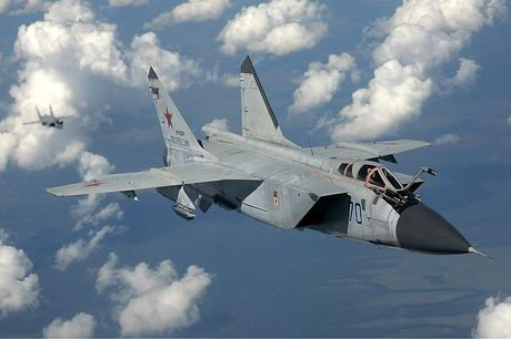 Tiem kich MiG-31 da toi Syria, 'radar bay' My-NATO coi chung - Anh 5