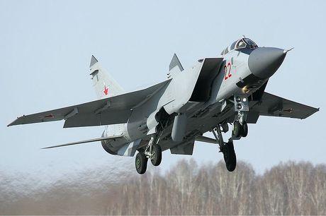 Tiem kich MiG-31 da toi Syria, 'radar bay' My-NATO coi chung - Anh 6