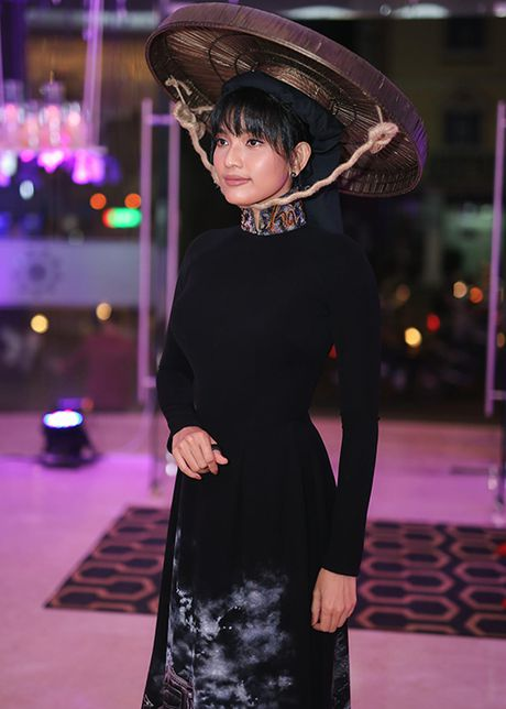 Truong Thi May thuyet phuc thanh cong Le Quyen dau gia tuong - Anh 11