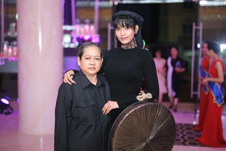 Truong Thi May thuyet phuc thanh cong Le Quyen dau gia tuong - Anh 12