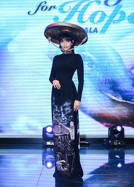 Truong Thi May thuyet phuc thanh cong Le Quyen dau gia tuong - Anh 6