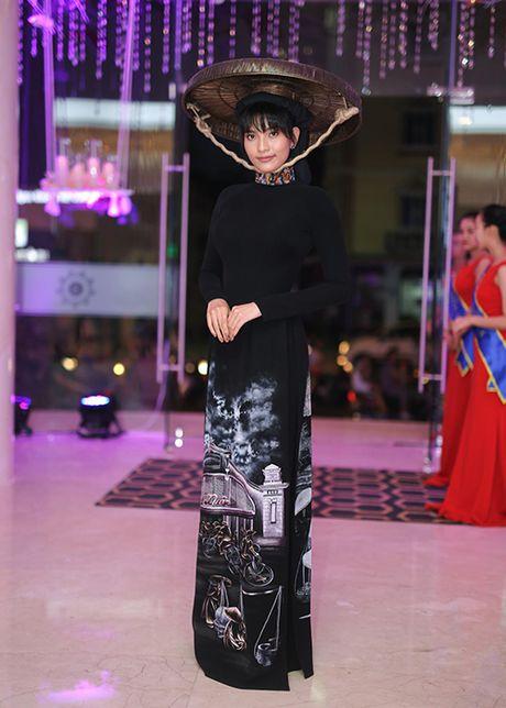 Truong Thi May thuyet phuc thanh cong Le Quyen dau gia tuong - Anh 9