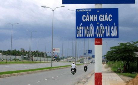Het hon voi nhung bien bao giao thong ba dao o Viet Nam - Anh 2