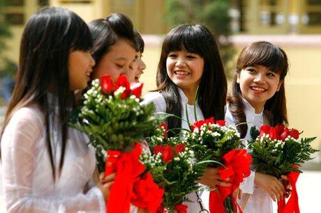 Dai bieu Quoc hoi tam dac voi phan tra loi chat van cua Bo truong Bo GD&DT Phung Xuan Nha - Anh 1