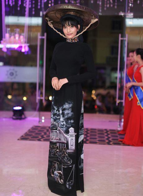 Truong Thi May doi non quai thao du su kien - Anh 1