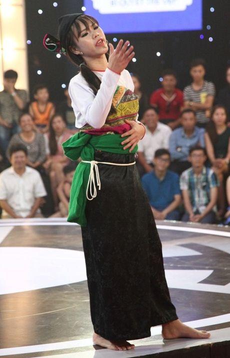 """Thach thuc danh hai tap 3: Co gai dan toc trach Tran Thanh """"an oc khong do vo"""" - Anh 1"""