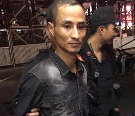 "Thanh nien 2 tien an ""gam"" sung ngan ... dung phai 141 - Anh 2"