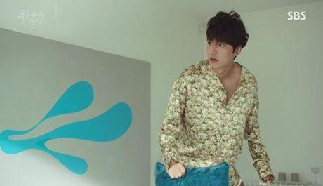 "Huyen thoai bien xanh tap 1: Lee Min Ho ""can loi"" vi do ""dien"" cua Jun Ji Hyun - Anh 13"