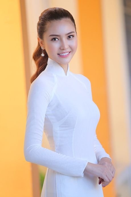 Ngoc Duyen ve que huong Vung Tau tham thay co giao dip 20/11 - Anh 10