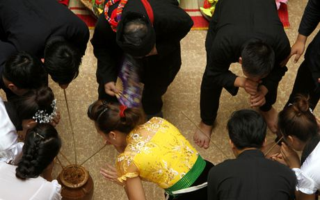 Le hoi Hoa ban cua nguoi Thai - Anh 2