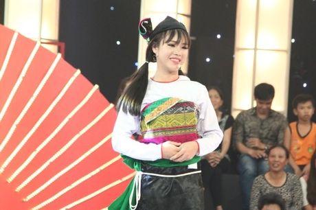 Co gai dan toc 'gai hang' Tran Thanh am 20 trieu dong - Anh 5