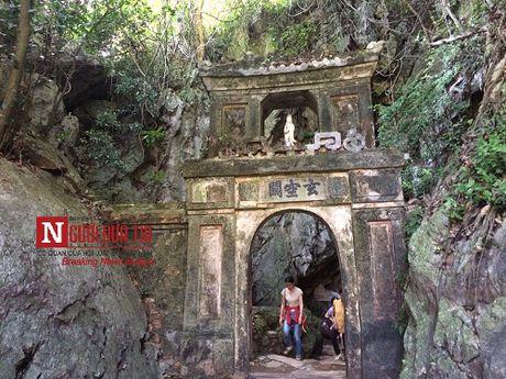 Phia sau 'Qua tim lua' va nhung bau vat quy tren dinh Ngu Hanh Son - Anh 8