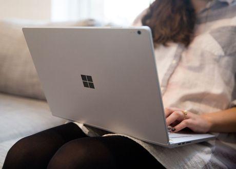 Surface Book moi - lieu co xung voi dong tien bat gao? - Anh 1