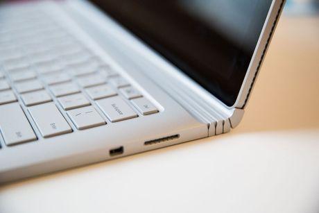 Surface Book moi - lieu co xung voi dong tien bat gao? - Anh 3