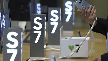 Them mot dien thoai Galaxy S7 cua Samsung bi phat no - Anh 1