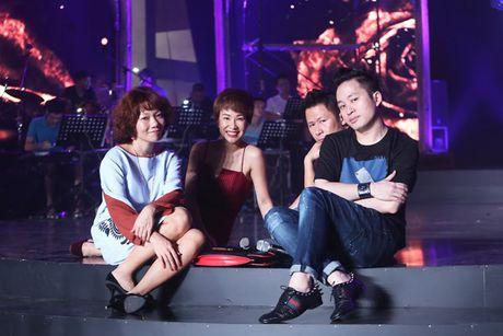 Bang Kieu, Tran Thu Ha, Uyen Linh than thiet trong hau truong - Anh 5