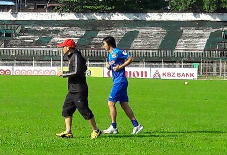 Tuan Anh lan dau ra san tap tuyen Viet Nam o Myanmar - Anh 3
