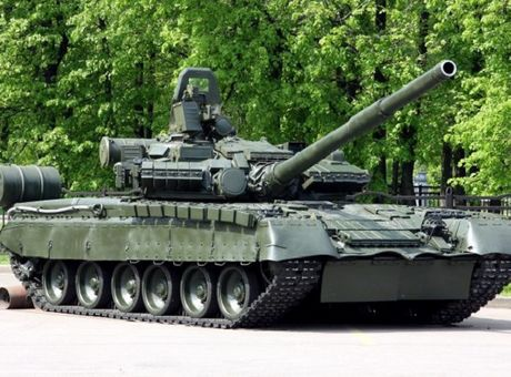 Nga nang cap va tai trien khai hang nghin xe tang T-80BV - Anh 1
